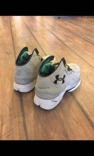 🚚 UA curry 2 US8.5