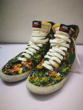 Nike limited sneakers