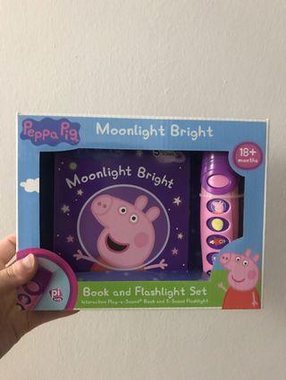 🚚 Peppa Pig Book and Flashlight Set