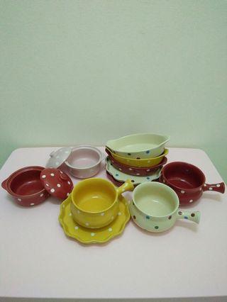 Polka dots plates and bowls