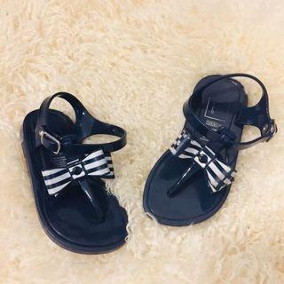 🚚 二手童鞋Gap女童女寶寶蝴蝶結夾腳涼鞋夏季防滑涼鞋