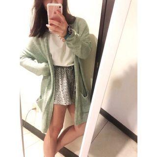 淺綠色針織外套