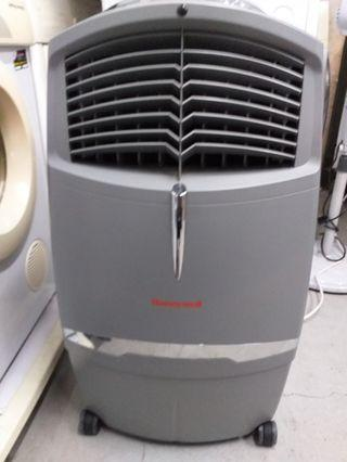 🚚 $120 Honeywell aircooler 30L model: cl30xc retail:$250 ,EuropAce ESF716S Stand Fan with Remote Control 16inches retail price:$56
