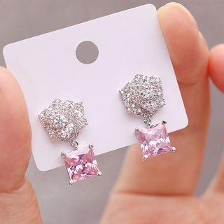 韓國山茶花粉紅色純銀針耳飾