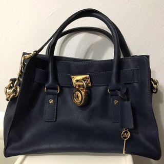CLEARANCE PRICE ❗️❗️❗️Authentic Michael Kors Hamilton (original handbag)