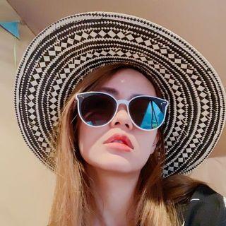 日本紙草三分草混色手工大檐帽沙灘帽遮陽帽渡假大草帽