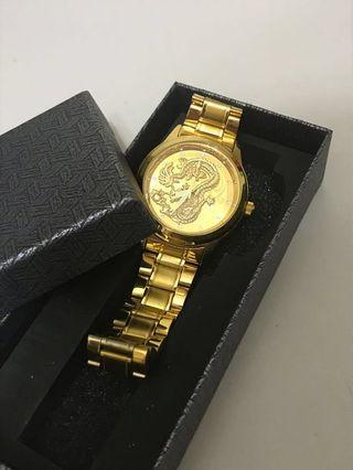 Watch (gold dragon watch)condition like new