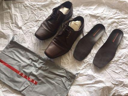 Authentic prada brown shoes made in Italy