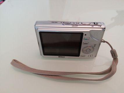 Nikon Coolpix S9 SD camera
