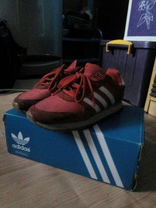Adidas haven red
