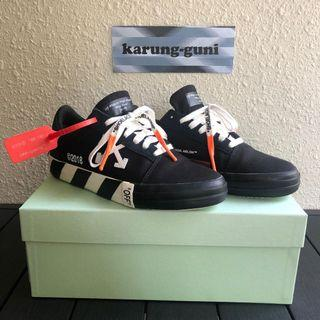 Off white Low TOP Vulc (Fit US8)