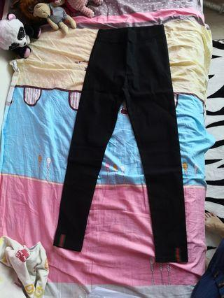 Leggings pants brand new size L 2pcs for.15