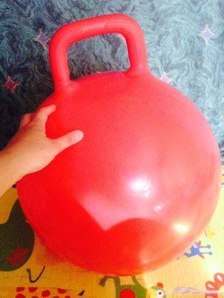 Inflatable hopper ball