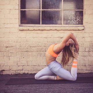 BNWT Alo Yoga Gradient Sky Airbrush Leggings