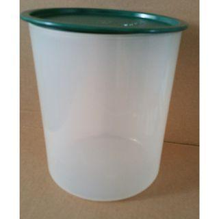 Tupperware 1-touch Cannister