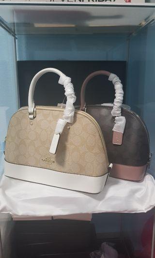 🚚 Coach hand bag + 30%off