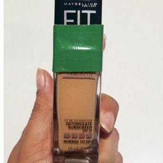 BRAND NEW Maybelline Fit Me Foundation SPF 18 (Pure Beige 235)