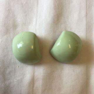 阿嬤的珠寶-粉綠色方圓耳夾