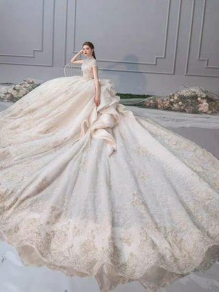2019 Summer New Arrival. Super stunning elegant Wedding Gown with beautiful long chapel tran