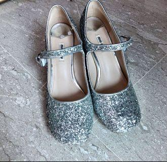 MM Silver Glitter Mary Jane Pump (Sz 39)