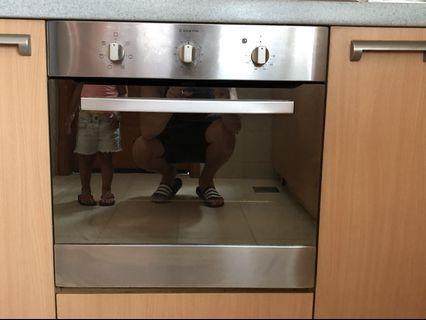 🚚 Ariston Built in Oven