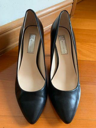 Black Heel Shoes