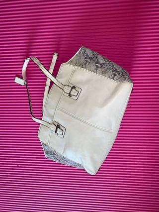 🚚 Coach real leather handbag