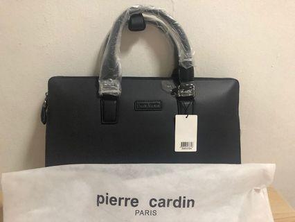🚚 Laptop Bag