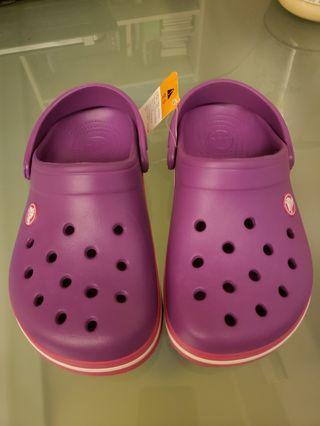 Crocs 鞋~size: J2