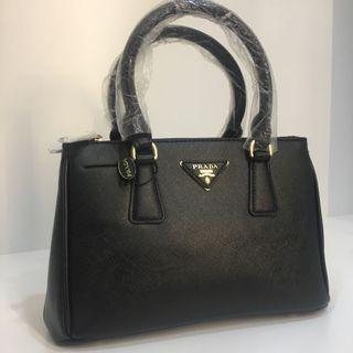 ❤️ Prada Saffiano leather two way bag black gold hardware small size handbag raya