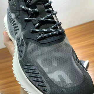 Adidas 阿爾法3待,透明鞋面,