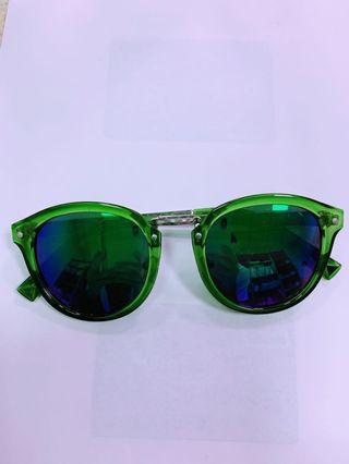 🚚 時尚太陽眼鏡墨鏡女款綠色