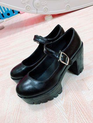 🚚 #半價衣服拍賣會 Lolita 女鞋高跟鞋防水台厚底鞋