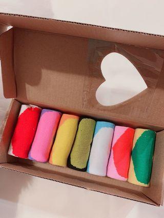 🚚 7天襪子~非常可愛喲(一整盒7雙)