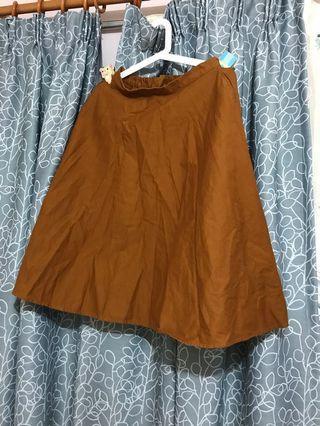 UNIQLO 啡色半截傘裙