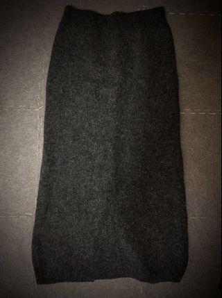 🚚 毛絨深灰保暖長裙