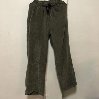🚚 - FOREST GREEN PANTS -