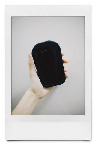 Iphone 4 全新。抽獎所得,有單有盒。可換二手ps4