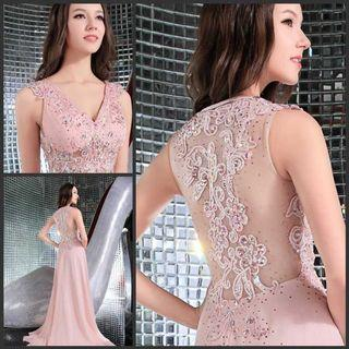 90% new heavy  lace and stitching  wedding gown with long chapel  train