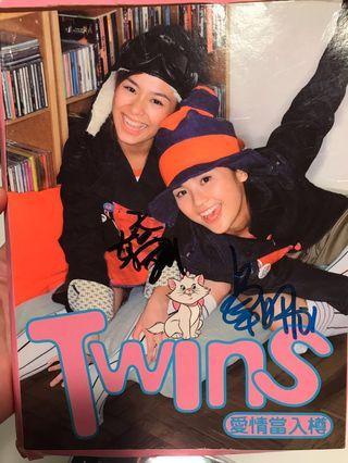 Twins親筆簽名CD愛情當入樽