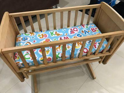 Mothercare Deluxe Gliding Crib / Cot
