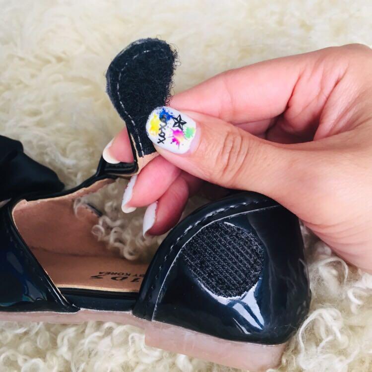 二手只穿一次幾乎全新女童女寶寶春夏季花朵皮鞋皮涼鞋公主鞋軟底好穿好走魔鬼氈