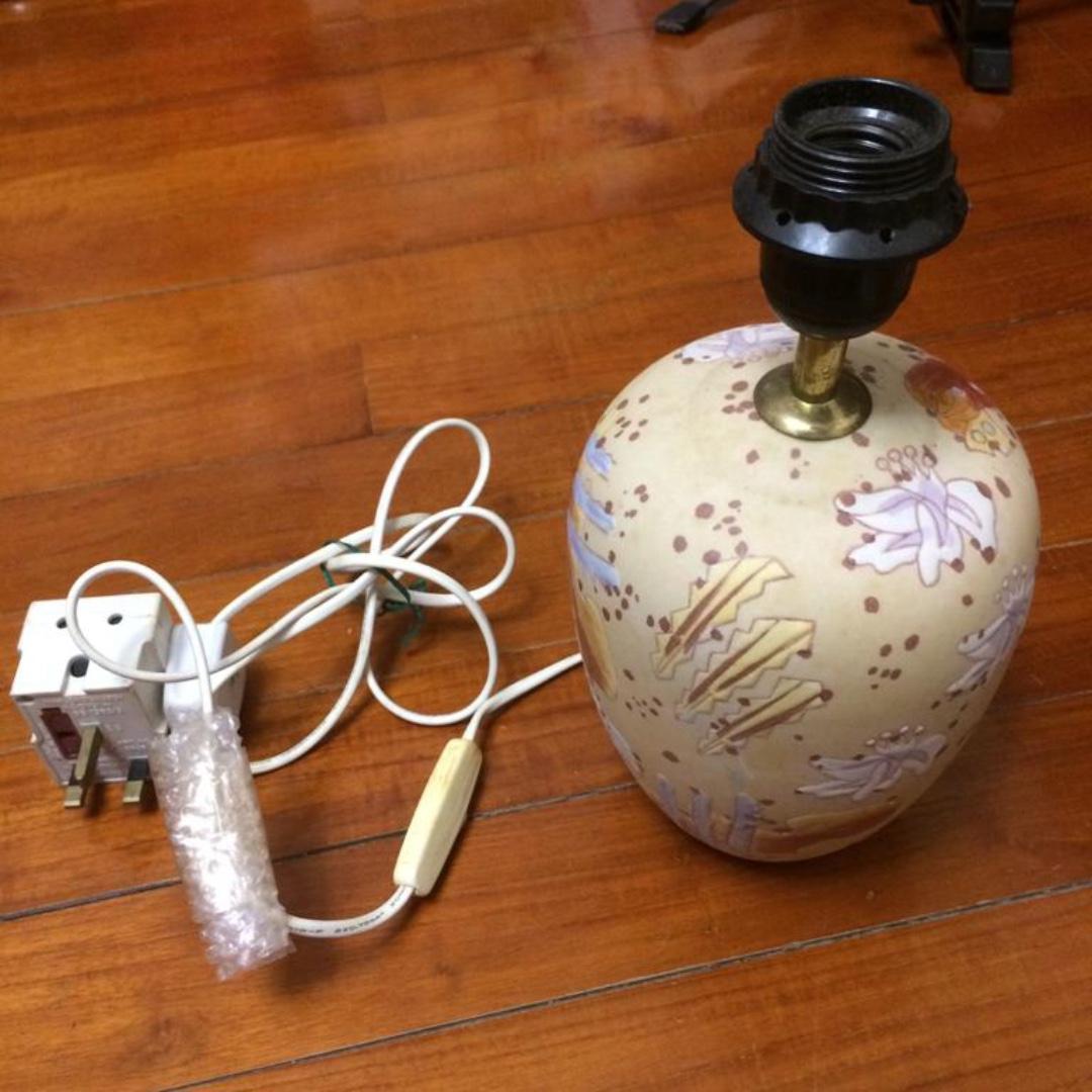 陶瓷燈座,免費自取(至本月底)