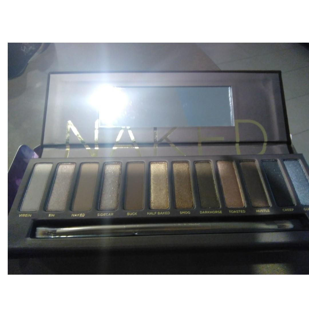 BRAND NEW RARE URBAN DECAY NAKED EYE SHADOW PALETTE