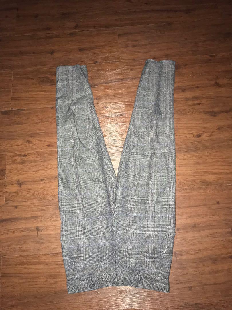 Celana bahan warna abu