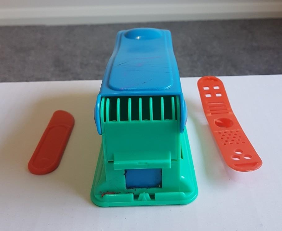 Crocodile Clay/Play Doh Squeezer Into Different Shapes
