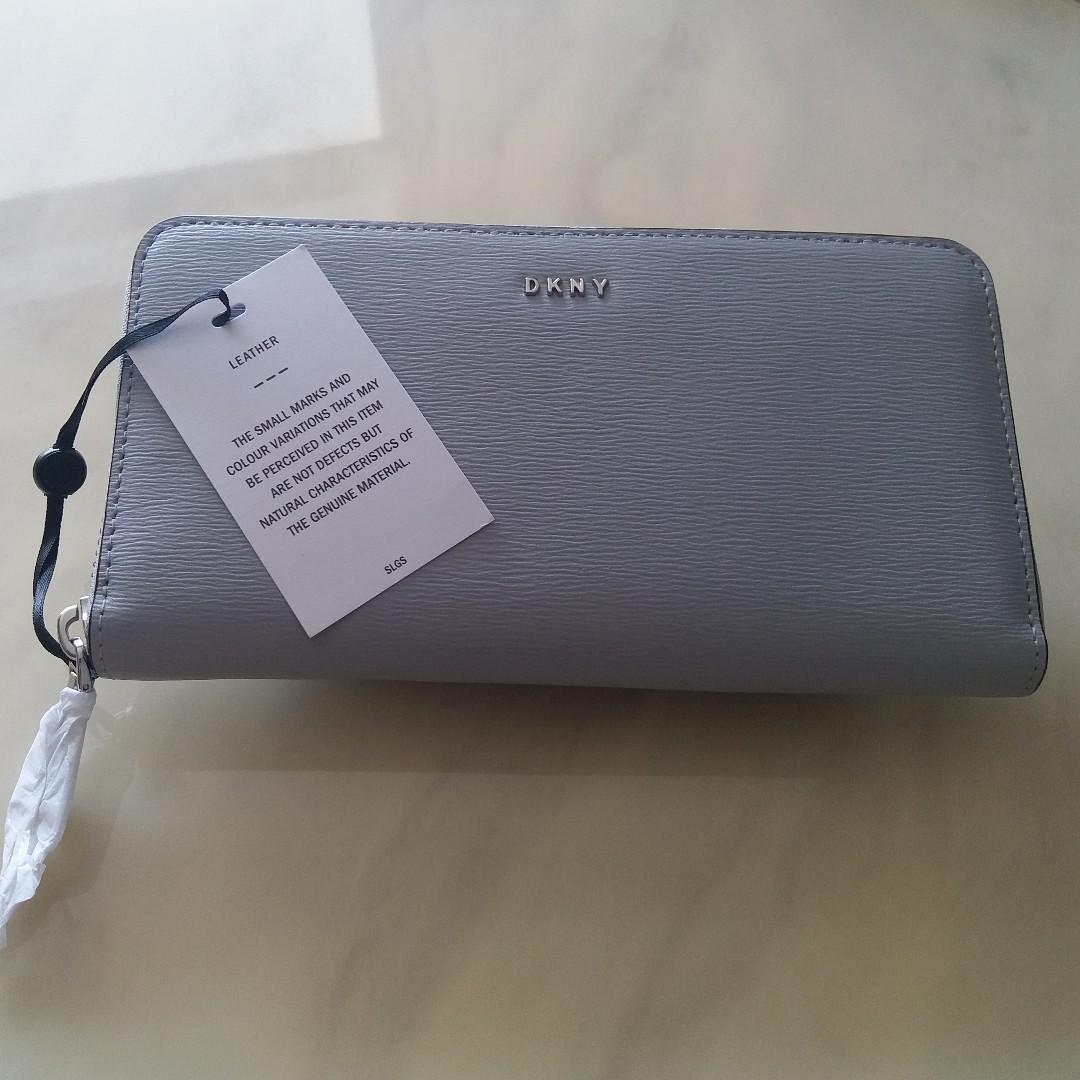 DKNY Wallet (Large Carryall)