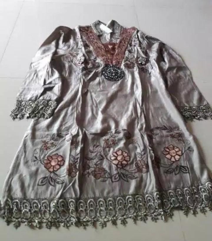 #mauthr Dress wanita,bahan satin,ukuran m,l,xl,no.wa.081378713287