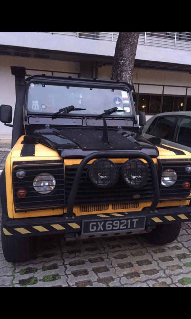 Land Rover Defender 2.5 3-Dr TD5 90 Hard-Top Manual