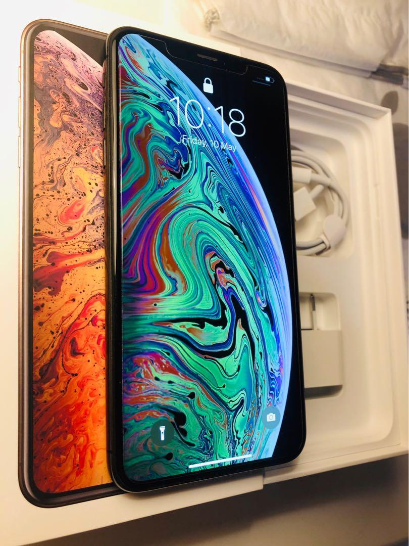 Like new iPhone xs max 64gb Space Grey with 7 months warranty